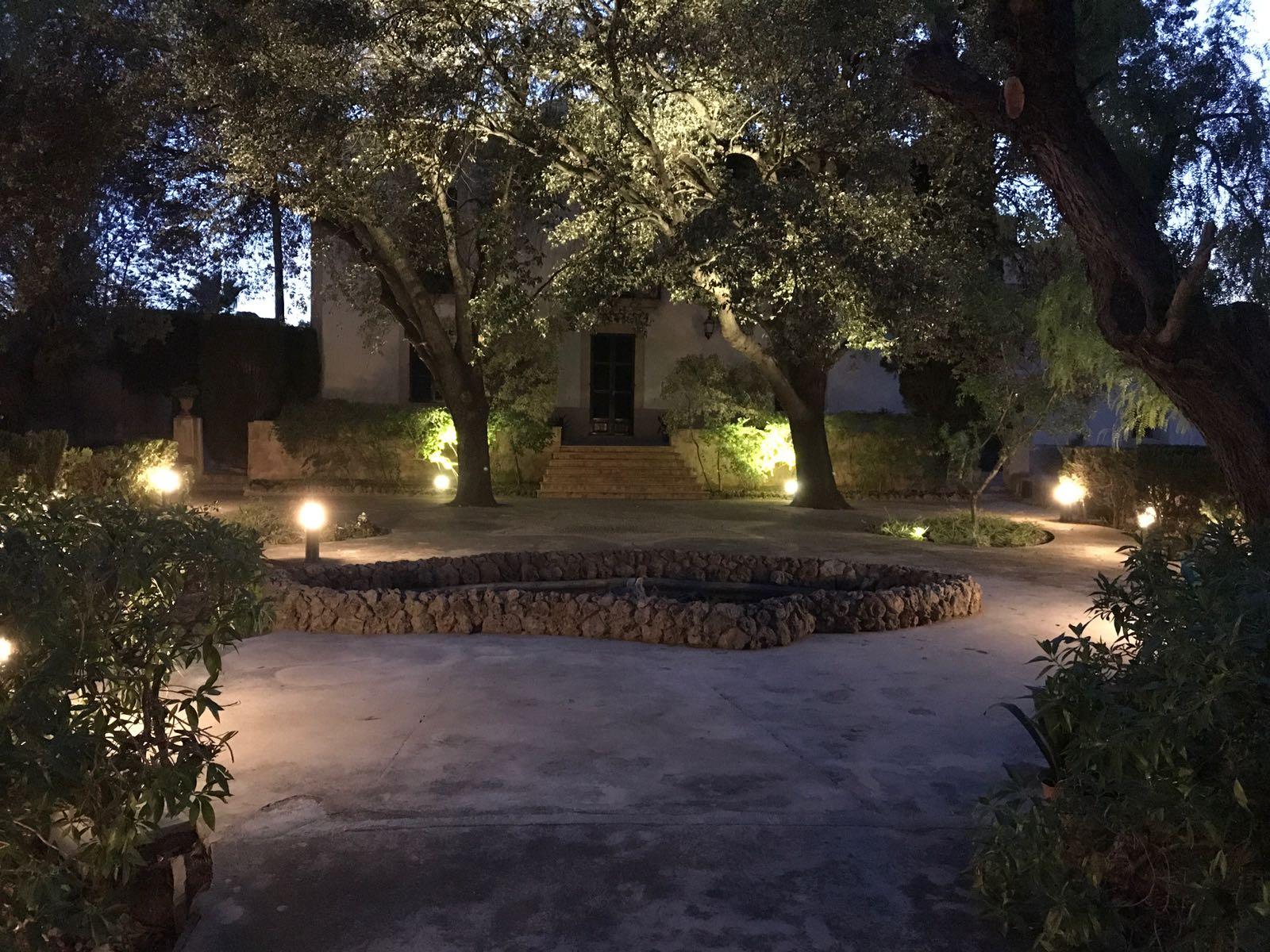 Iluminacion para exteriores jardines excellent opciones for Iluminacion exterior jardin